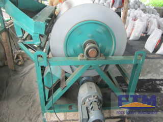 China Wet High Intensity Magnetic Separator Equipment
