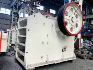 Semi Automatic Stone Crusher From High Quality Company